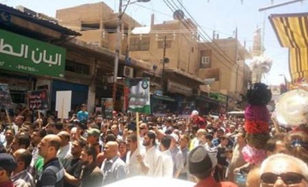 جفرا نيوز  أخبار الأردن  مسيرات في محافظات تندد بالعدوان الإسرائيلي على غزة وتطالب بطرد السفير من عمان